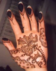 Raun Harman Henna design